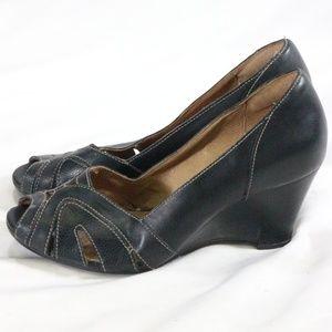 CLARKS Black Leather Cutout Peep Toe Wedges Sz 7